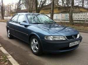 Opel Vectra B 1.6 MT (100 л.с.)